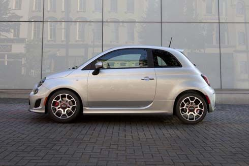 เผยโฉม Fiat 500 Turbo รุ่นปี 2013 เติมพลังให้รถเล็กพริกขี้หนู