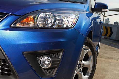 Ford Focus ปี 2011 ไมเนอร์เชนจ์ ทั้งซีดานและแฮทช์แบ็ค ราคาเริ่มต้น 8.09 แสนบาท