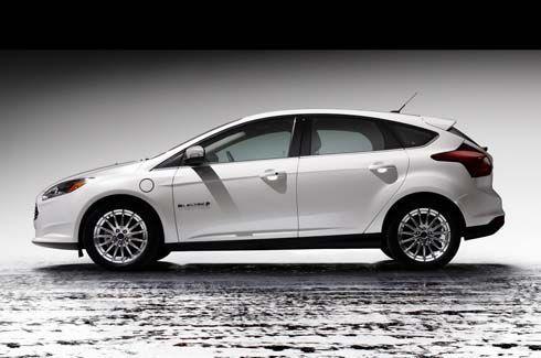 Ford ไม่สนดีมานด์ลด เริ่มส่ง Focus Electric คอมแพคท์คาร์ไฟฟ้าถึงดีลเลอร์แล้ว