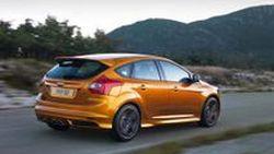 คาด Ford Focus ST 2014 มาพร้อมขุมพลัง EcoBoost 2.4 ลิตร แรงระดับ 350 แรงม้า