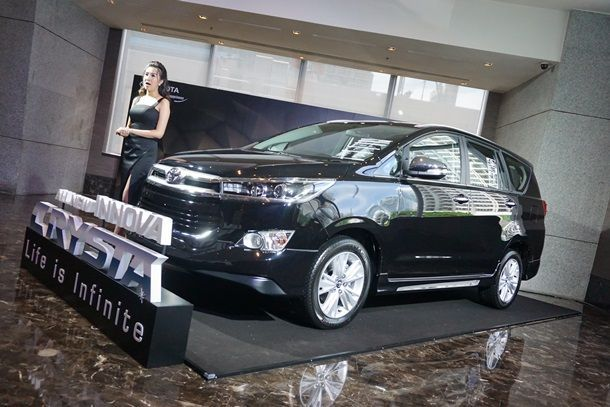 [Gallery] Toyota Innova Crysta เอนกประสงค์รุ่นใหญ่ ครบครัน ทันสมัย ภายในกว้างขวาง
