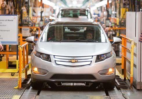 GM เริ่มประกอบ Chevy Volt รุ่นก่อนผลิต ใช้ทดสอบระบบโรงงาน ก่อนชน Nissan Leaf ปลายปี