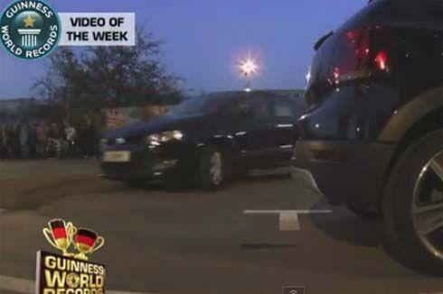 """คลิปวิดีโอการทำสถิติ """"การจอดรถที่ยากที่สุดในโลก"""" โดย Guinness World Records"""