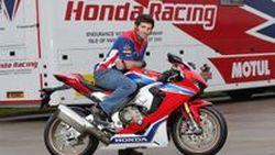 Guy Martin ตัดสินใจแท็คทีม John McGuinness ลุย TT ใต้ปีก Honda Factory