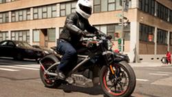 Harley-Davidson จะเปิดตัวรถที่ 100 รุ่นในระยะเวลา 10 ปีรวมถึงรถไฟฟ้า