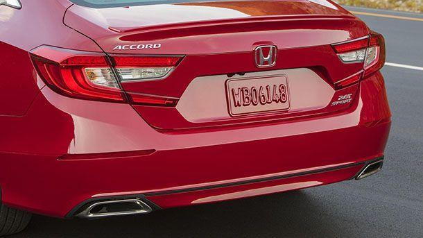 """Honda ชี้การผลิตรถยนต์ยังต้องใช้ """"มนุษย์"""" ไปอีกนาน"""