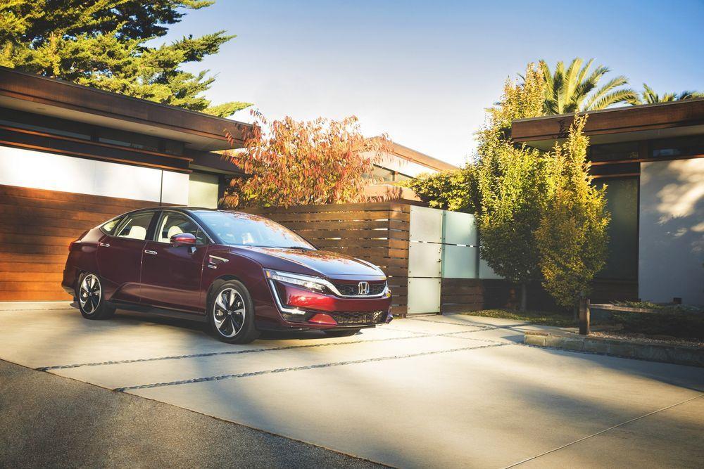 Honda Clarity Fuel Cell วางขายแล้วที่ California เคาะราคาผ่อน 1.15 หมื่นบาทต่อเดือน (ผ่อน3ปี)