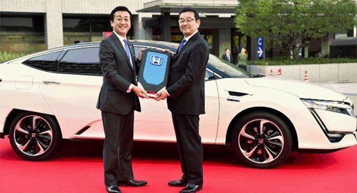 Honda ส่งมอบ Clarity Fuel Cell รถไฮโดรเจนคันแรกในแดนปลาดิบ