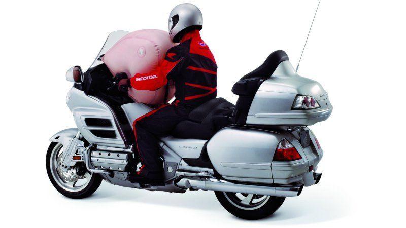 มอเตอร์ไซค์ก็ไม่เว้น Honda เรียกคืน Goldwing ปัญหาถุงลม Takata