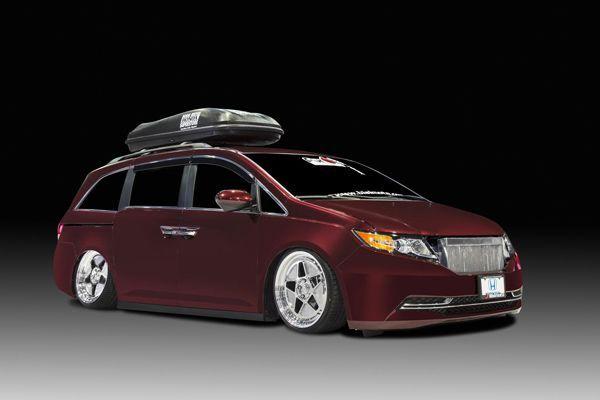 Bisimoto Honda Odyssey ยัดขุมพลัง 1,029 แรงม้า แถมโหลดติดพื้น