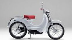 Honda เตรียมส่งสกู๊ตเตอร์ไฟฟ้าลุยตลาดในปี 2018 ตามสัญญา