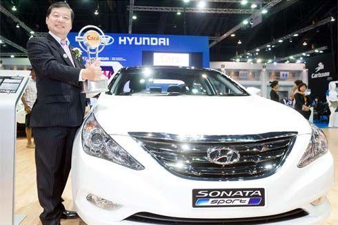 Hyundai Sonata Sport  และ H-1 Series คว้ารางวัล Car of the Year 2012