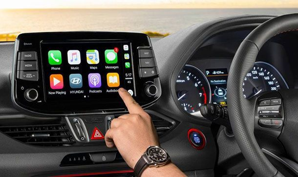 """เผยระบบอินโฟเทนเมนท์รุ่นใหม่ยิ่ง """"รบกวนสมาธิ"""" ผู้ขับขี่มากขึ้น"""