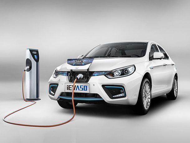 พาชม JAC iEV A50 รถยนต์พลังงานไฟฟ้าสัญชาติจีน ขับขี่ได้ไกล 500 กม.