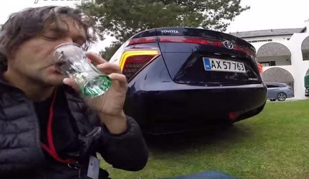[ชมคลิป] การดื่มน้ำจากท่อไอเสีย รถยนต์พลังไฮโดรเจนอย่าง โตโยต้า มิราอิ