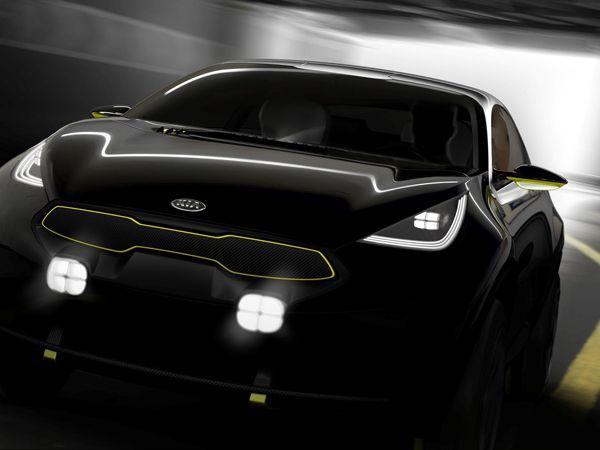 Kia ปล่อยภาพทีเซอร์รถคอมแพกต์ครอสโอเวอร์รุ่นใหม่ จ่อโชว์ตัวจริงเดือนหน้า