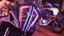 เปิดตัว KTM 1090Adventure และ 1290Adventure เพิ่มแรงม้าเปลี่ยนหน้าตาราคาเริ่มไม่ถึง 1 ล้านบาท
