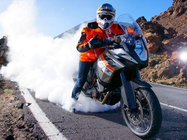 KTM กำลังสร้างรถแอดเวนเจอร์บนพื้นฐานเครื่องยนต์สองสูบเรียง800 ซีซี