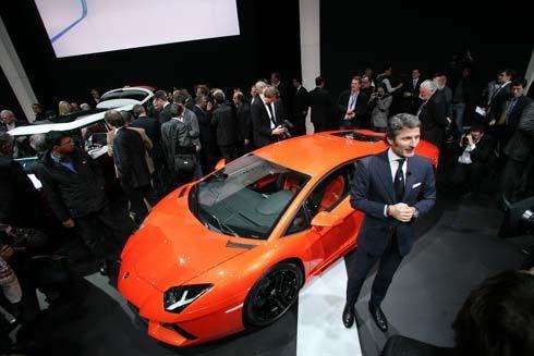 ยลโฉม Lamborghini Aventador LP700-4 เปิดตัวที่ Geneva Motor Show วันนี้