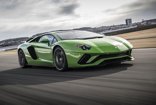 "Lamborghini ปฏิเสธทำตลาด Aventador ขับเคลื่อนล้อหลังเพราะหวั่น ""เอาไม่อยู่"""