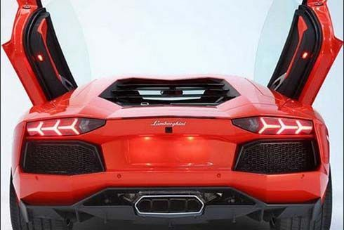 Lamborghini จ่อเปิดตัว Aventador Roadster และ Aventador GT Concept