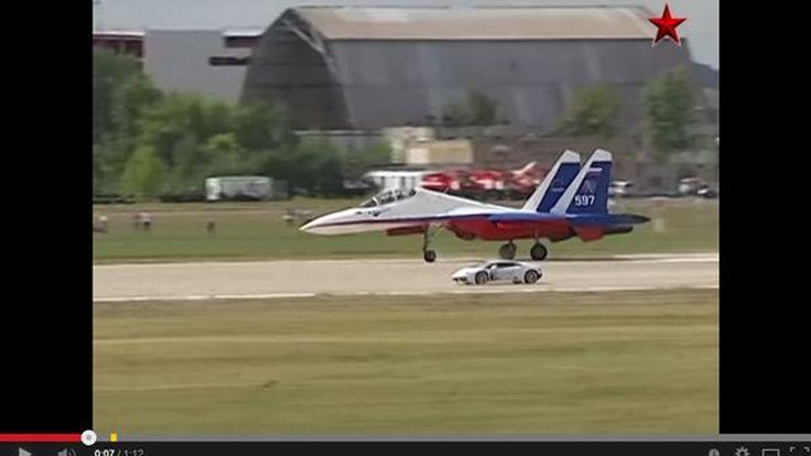 Lamborghini Huracan เบ่งกล้ามท้าแข่งเครื่องบินรบ (ชมคลิป)