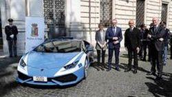 หนีได้หนีไป ตำรวจอิตาลีรับมอบ Lamborghini Huracan เข้าฟลีตสายตรวจ