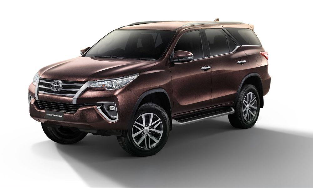 Toyota เปิดตัว Fortuner รุ่นปรับปรุงใหม่ พร้อมเพิ่มรุ่นย่อย 2.4V 4WD เคาะราคา 1.499 ล้านบาท