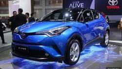 TIME2017: ชมคันจริง Toyota C-HR พระเอกของค่ายปีนี้ โชว์ตัวพร้อมเปิดจอง กับค่าตัว 9.xx แสนบาท - 1.1xx ล้านบาท