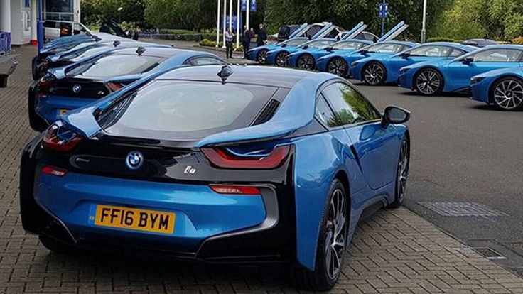 บิ๊กคิงเพาเวอร์ ควัก 70 ล้านบาทซื้อ BMW i8 แจกนักเตะเลสเตอร์