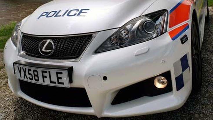 Lexus IS F รถปฏิบัติการตำรวจรุ่นใหม่เมืองผู้ดี หล่อในเครื่องแบบ แรงไม่กลัวใบสั่ง