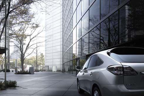 Lexus RX270 สัมผัสทางเลือกใหม่กับ SUV ระดับหรู ในราคาเริ่มต้นที่ 3.79 ล้านบาท