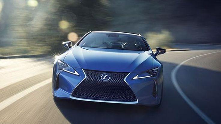 "Lexus เผยใช้เวลา 15 ปีในการพัฒนาสีน้ำเงิน ""Structural Blue"""