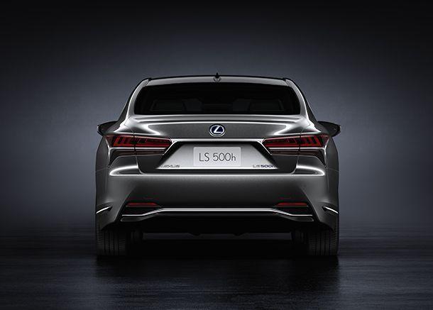 Lexus วางเป้ายอดขายลดลง ชี้ไม่มีรถรุ่นใหม่ทำตลาด