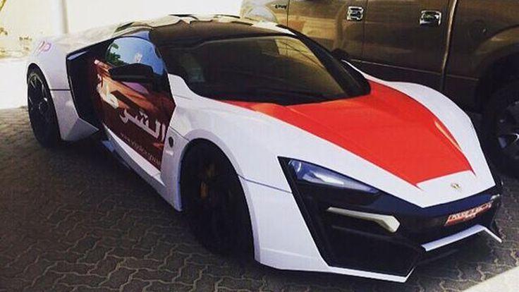 สุดๆไปเลย Lykan Hypersport ในมาดรถตำรวจแห่งอาบูดาบี
