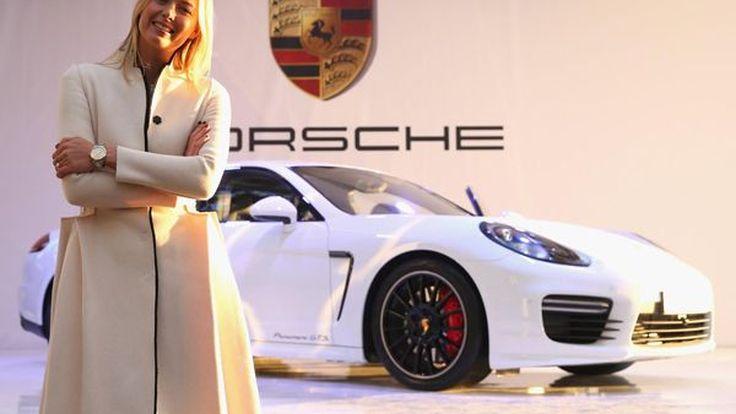 """เธอคู่ควร! มาเรีย ชาราโปว่า อวดสุดหล่อคู่กาย """"Porsche Panamera GTS"""""""