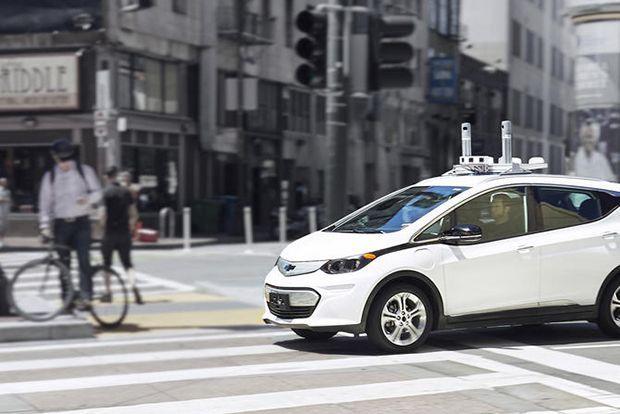 """เปิดวิสัยทัศน์ซีอีโอจีเอ็ม """"รถขับขี่อัตโนมัติยังต้องมีพวงมาลัยและแป้นคันเร่ง-เบรก"""""""