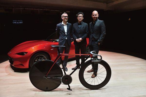 """Mazda โชว์ทักษะการออกแบบ """"จักรยาน"""" และ """"โซฟา"""" ด้วยเอกลักษณ์ KODO"""