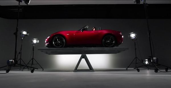 เป๊ะมาก! Mazda โชว์การกระจายน้ำหนักของรถสปอร์ต MX-5