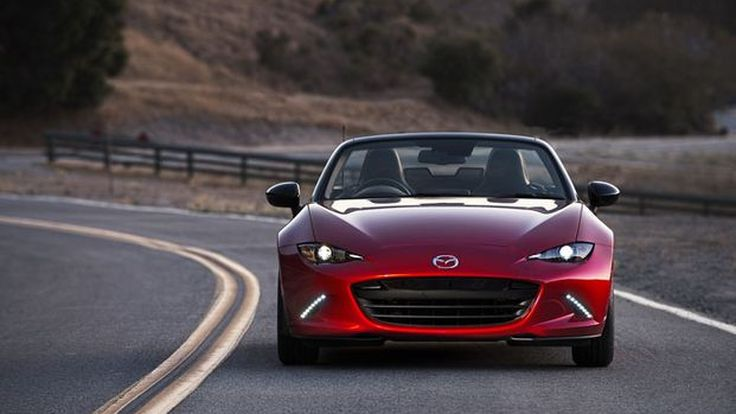 Mazda MX-5 สร้างประวัติศาสตร์คว้าสองรางวัลรถยอดเยี่ยมแห่งปีระดับโลก