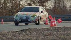 ทีเซอร์ Mercedes-AMG A45 ก่อนวันคริสมาสต์