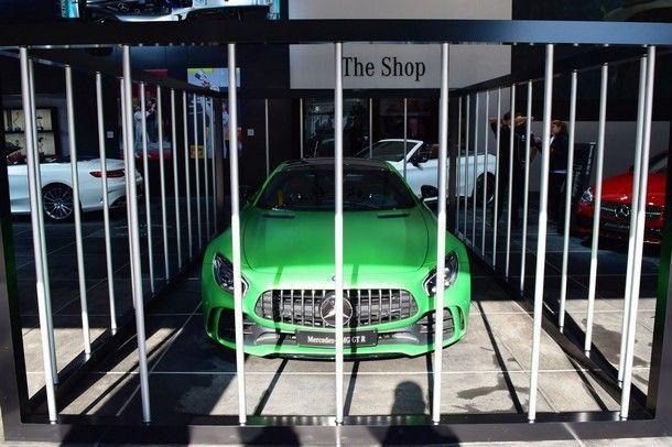 ไอเดียดี !! Mercedes-AMG เตรียมเปิดตัว AMG GT R ด้วยการจอดไว้ในกรง ตามคอนเซปต์รถยนต์ที่ดุดันก้าวร้าว