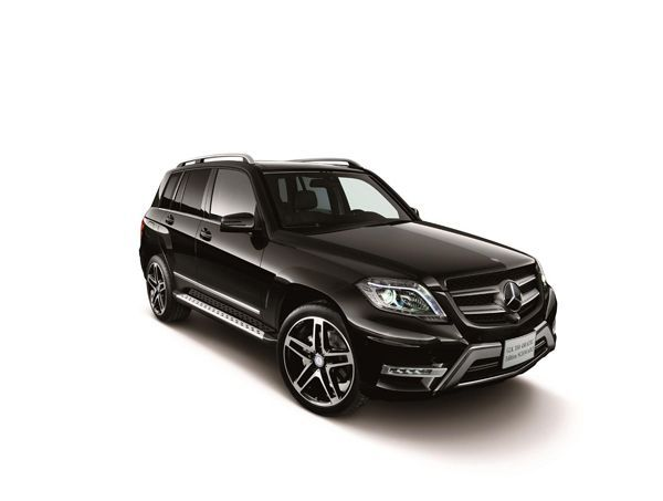 Mercedes-Benz เปิดตัว GLK 350 4MATIC Schwarz Edition สีดำดุดัน