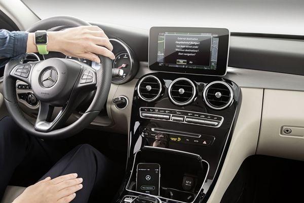 Mercedes-Benz ผนวกระบบนำทางเข้ากับ Apple Watch ยกระดับความสะดวกสบาย