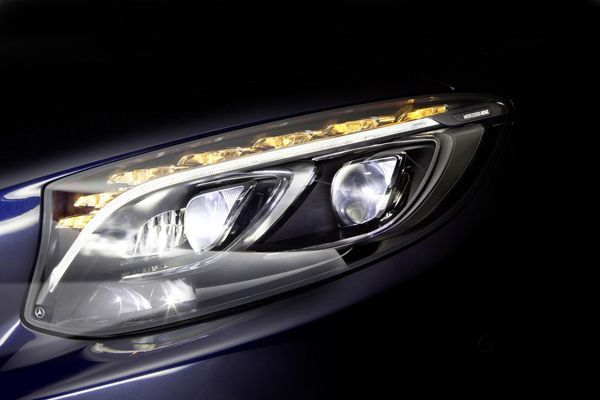 Mercedes-Benz แย้มข้อมูลกรอบไฟ LED เจนเนอเรชั่นใหม่ ส่องสว่างยิ่งกว่าเดิม