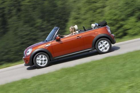 MINI ปี 2011 ปรับโฉมทั้ง Hatchback, Clubman และ Convertible เริ่มต้น 2.09 ล้านบาท