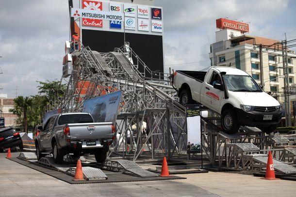 """Mitsubishi Motors ประเทศไทย ร่วมกับ 2 ผู้จำหน่ายในหาดใหญ่จัดกิจกรรม """"Mitsubishi Triton"""" เร่งกระตุ้นยอดขายในภาคใต้"""