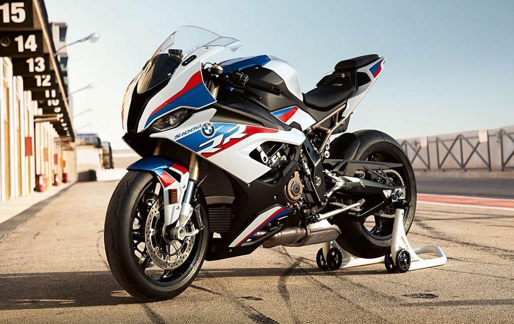 [EICMA] เปิดตัว BMW S1000RR โฉมใหม่ ปิดตำนานตาเหล่สุดแนว มาพร้อมไฟหน้า LED เครื่องแรงกว่าเดิม เทคโนโลยีล้นๆ