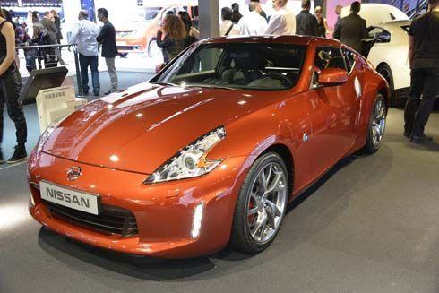 Nissan อวดโฉมรถสปอร์ต 370Z คูเป้และโรดสเตอร์ที่งานปารีส มอเตอร์โชว์
