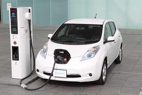 Nissan จ่อส่ง Leaf 2013 เวอร์ชั่นใหม่ ราคาถูกกว่าเดิม แก้เกม กระตุ้นยอดขาย
